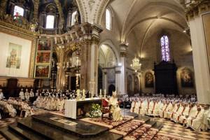 D. Carlos estuvo acompañado de obispos, sacerdotes y religiosos