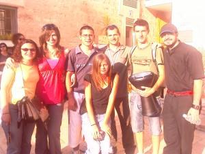 Algunos chic@s con el guía en Caná de Galilea